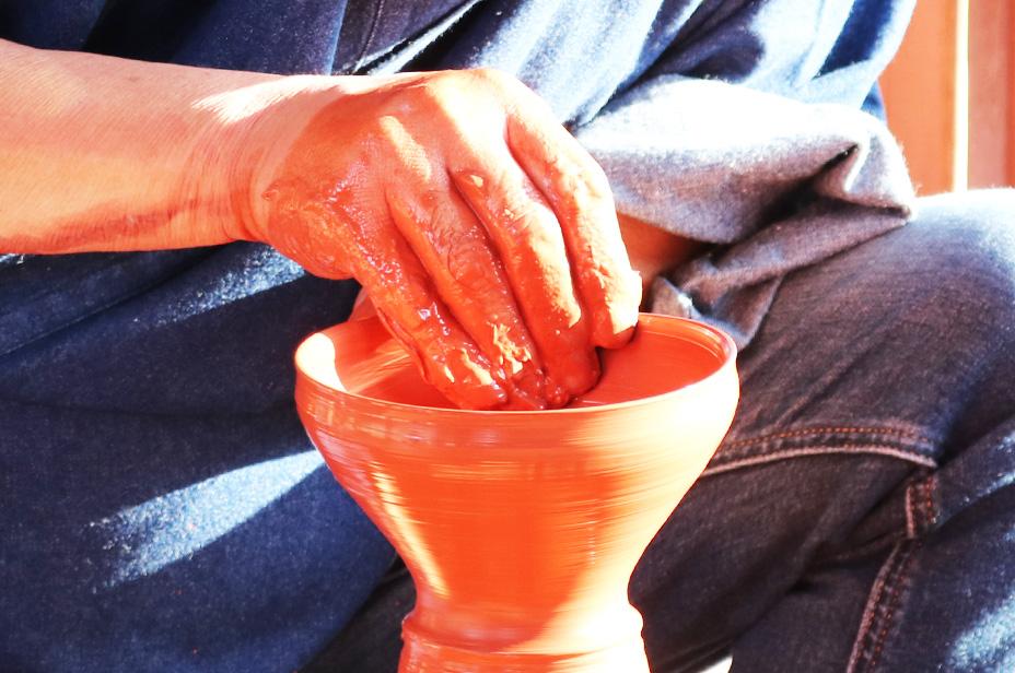 About the potter   Gyokudo Kamamoto Pottery